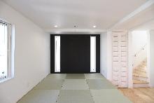 板橋区仲町の注文住宅施工事例:屋上と大型床下収納のある家