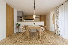 練馬区中村南の注文住宅施工事例:吹き抜けを囲む家