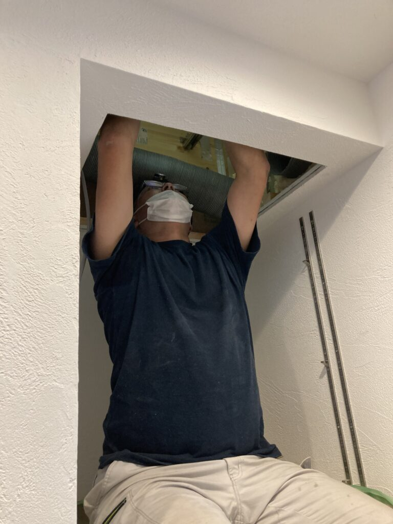 窓の風切り音対策