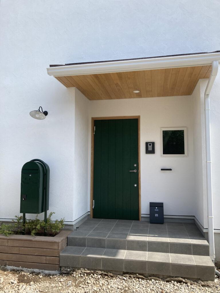 玄関ドアのセルフ塗装!